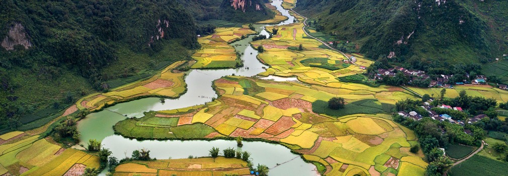 Río serpenteando a través del paisaje vietnamita