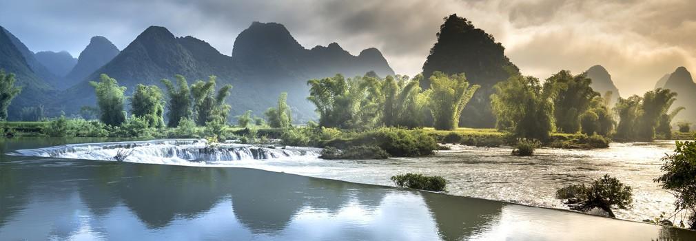 La hermosa naturaleza de Vietnam; la típica formación montañosa es una imagen familiar